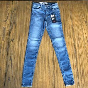 Levi's 720 high rise super skinny sculpt jeans